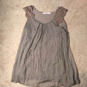 Tops - Gray silk top with crochet straps
